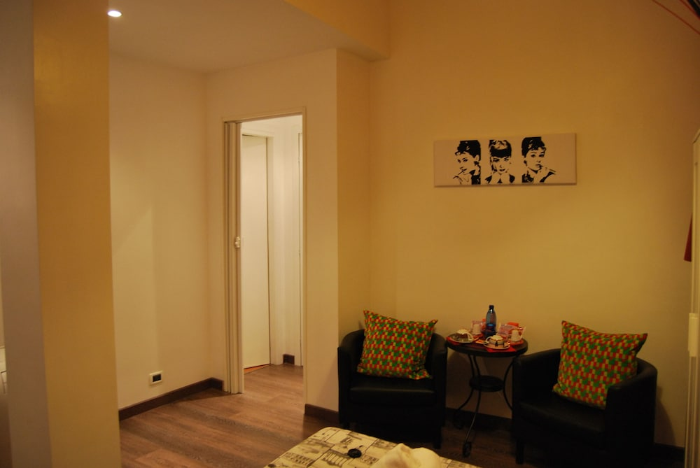 Room, Core de Roma Suites
