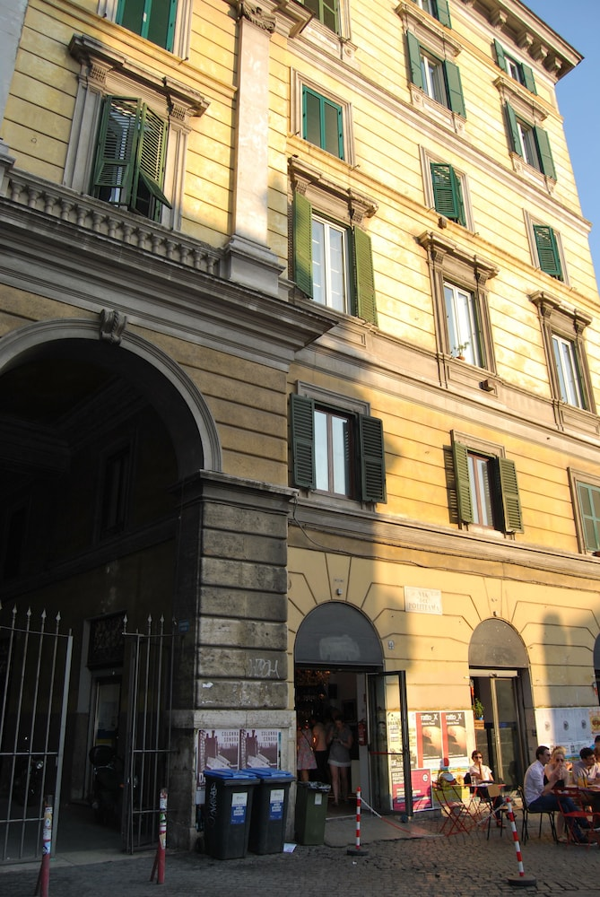 Front of Property, Core de Roma Suites