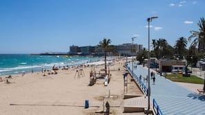 Beach nearby, 20 beach bars