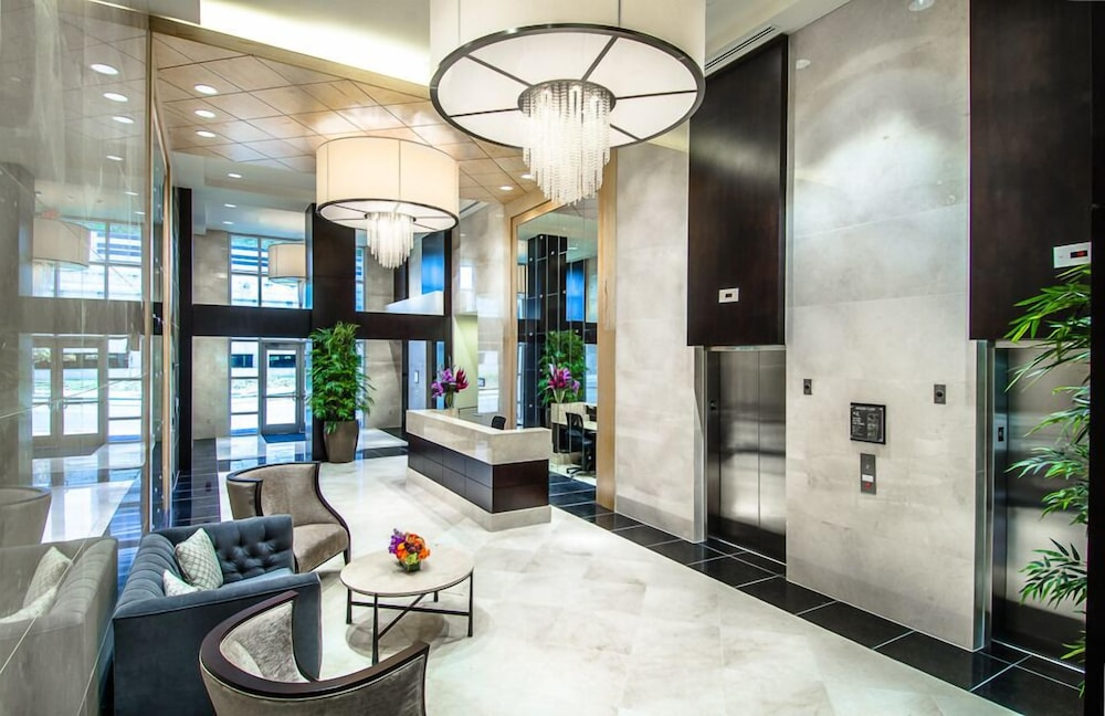 Interior Entrance, Hyatt Place Charlotte Downtown