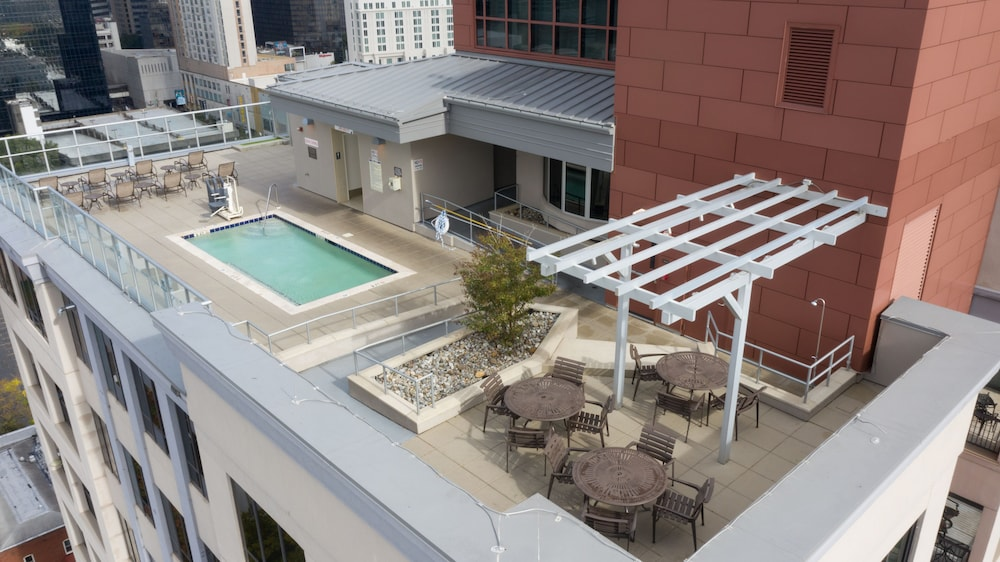 Rooftop Pool, Hyatt Place Charlotte Downtown