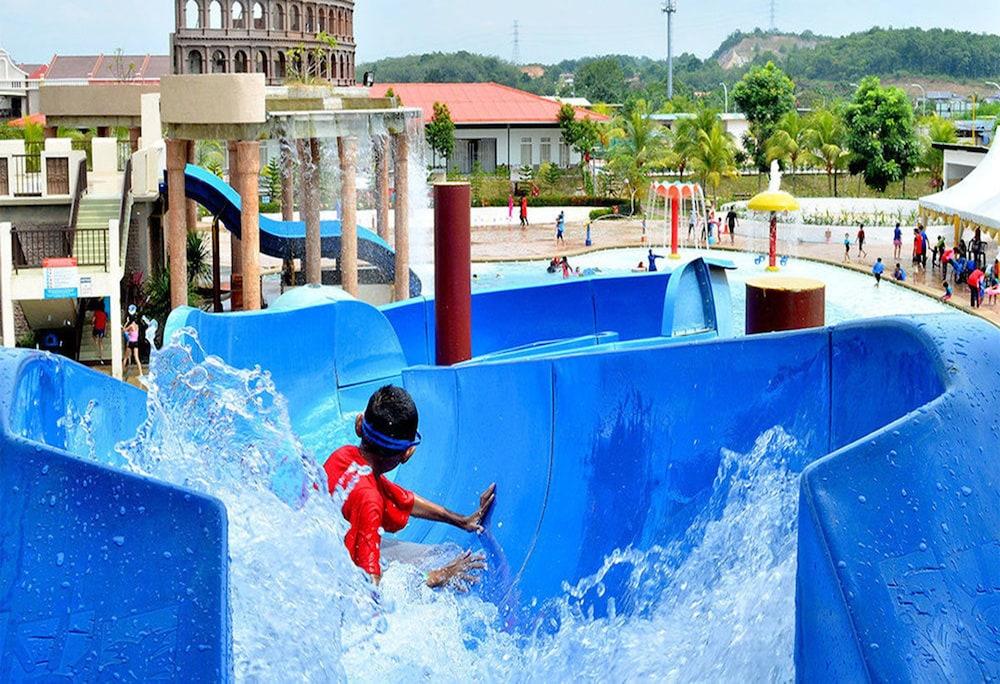Bayou Lagoon Park Resort in Malacca - Official Agoda.com