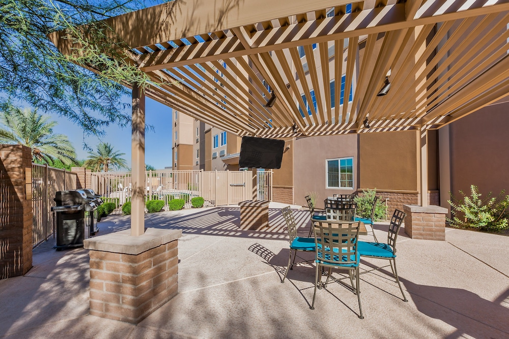 BBQ/Picnic Area, Candlewood Suites Tucson, an IHG Hotel