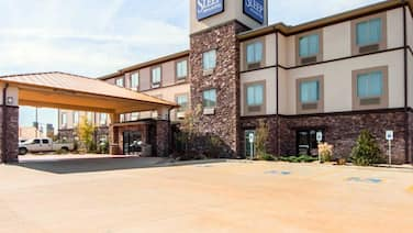 Sleep Inn & Suites Hennessey North