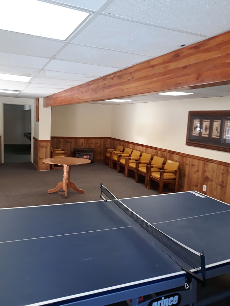 Game Room, Pinewoods Resort