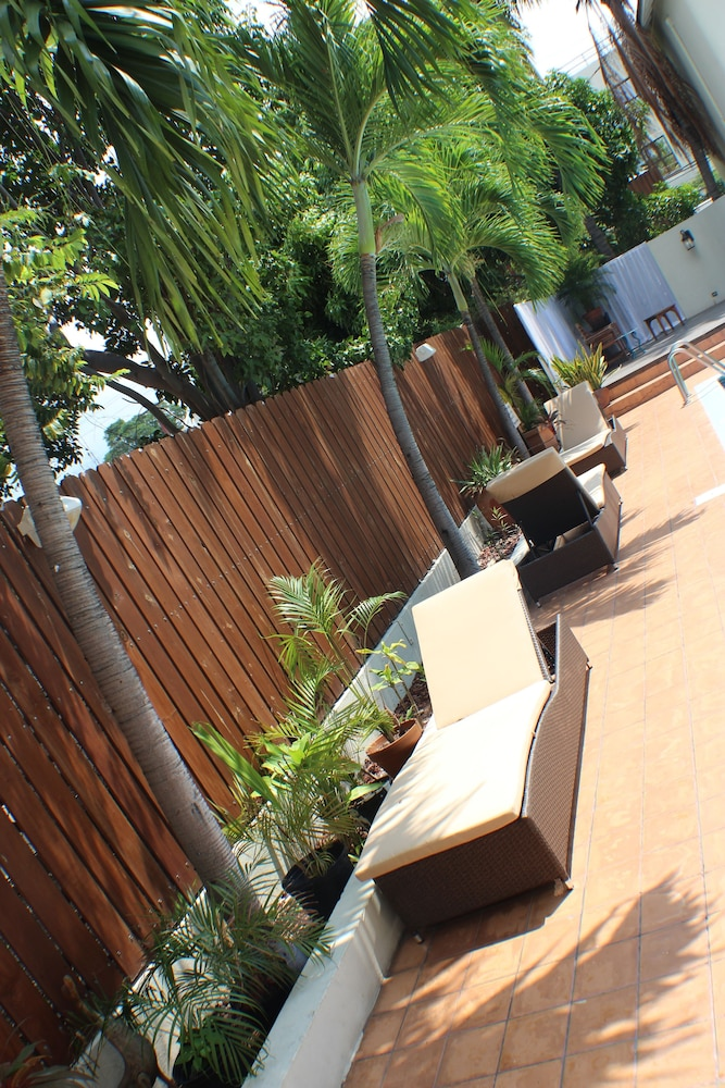 Terrace/Patio, Altamont Court Hotel