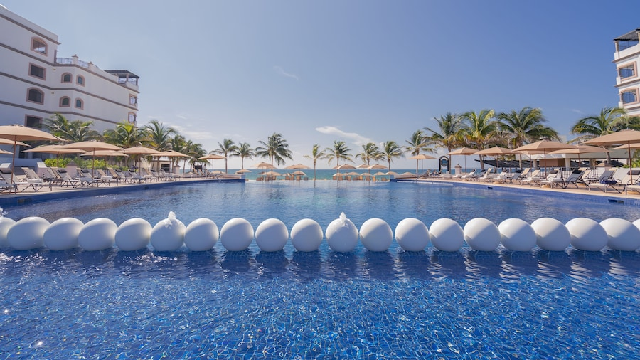 Grand Residences Riviera Cancún, a Registry Collection Hotel