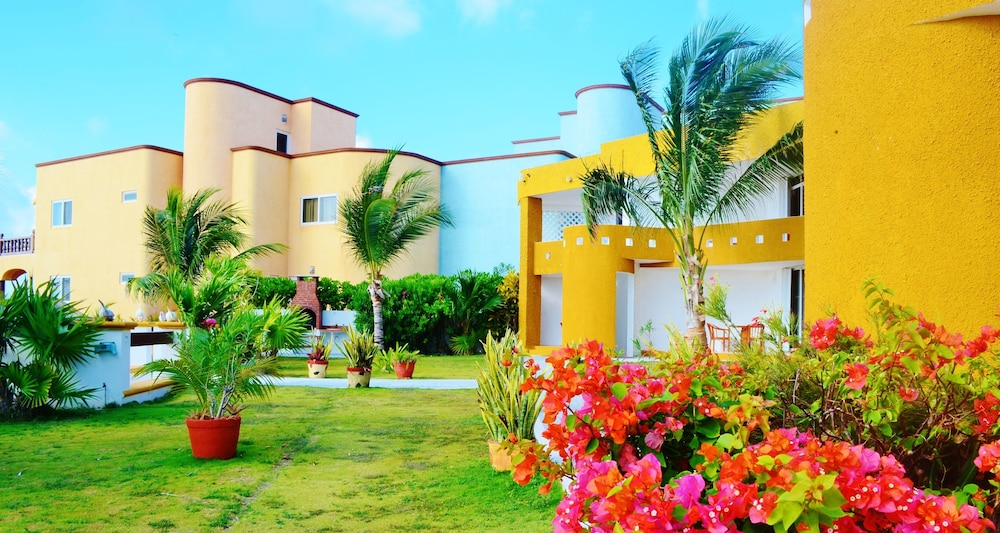 Property Grounds, Hotel Arrecifes Suites