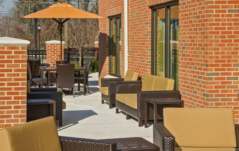 Terrace/Patio, Courtyard Glassboro Rowan University