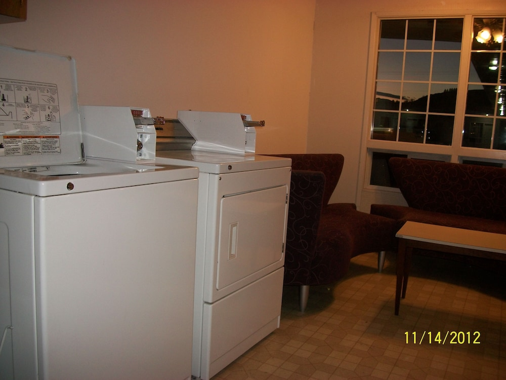 Laundry Room, Schell Motel Express