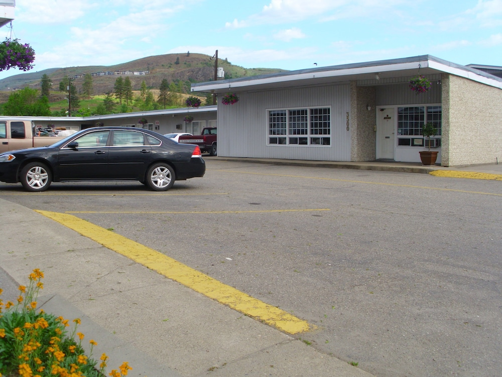 Front of Property, Schell Motel Express