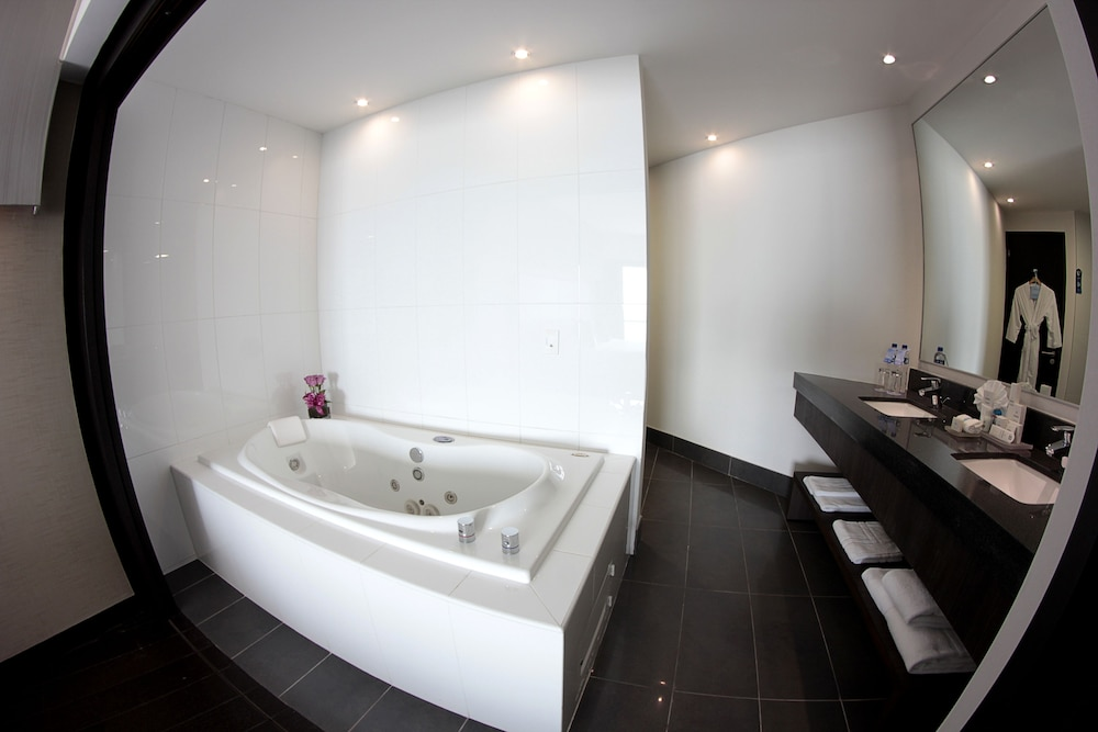 Jetted Tub, Wyndham Guayaquil, Puerto Santa Ana
