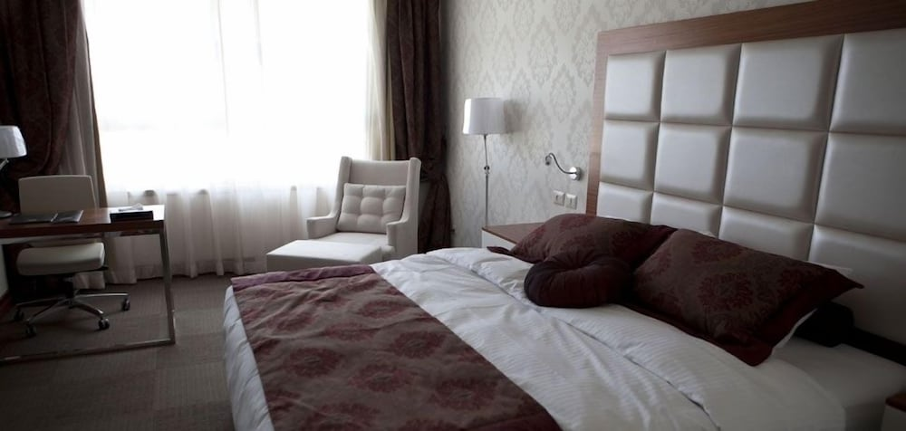 Room, Grand Park Hotel