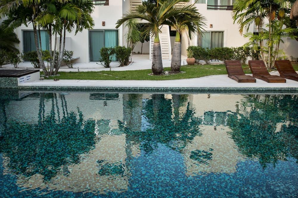 Book villas h2o tulum hotel deals for Villas tulum