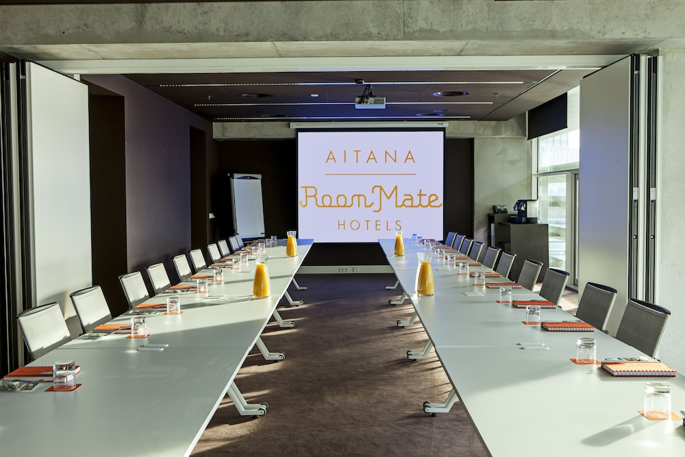 Meeting Facility, Room Mate Aitana