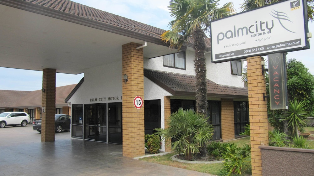 Palm City Motor Inn