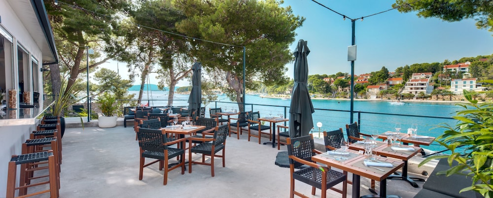 Outdoor Dining, Hotel Milna Osam - Adults only