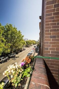 140-142 Cumberland Street, The Rocks NSW 2000, Australia.