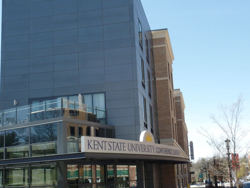 kent state university hotel and conference center in akron. Black Bedroom Furniture Sets. Home Design Ideas