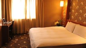 迷你吧、免費 Wi-Fi、床單