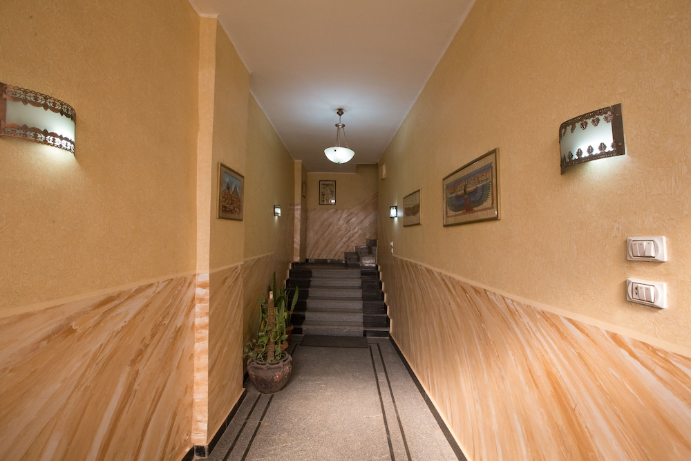 Interior Entrance, Guardian Guest House