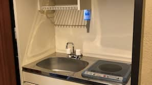 Full-size fridge, microwave, stovetop, electric kettle