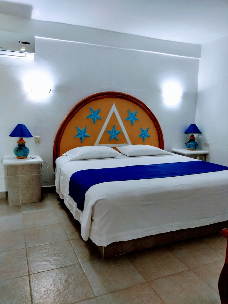 Room, Hotel & Club Campestre Altos Paraiso