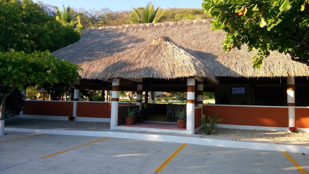 Food Court, Hotel & Club Campestre Altos Paraiso