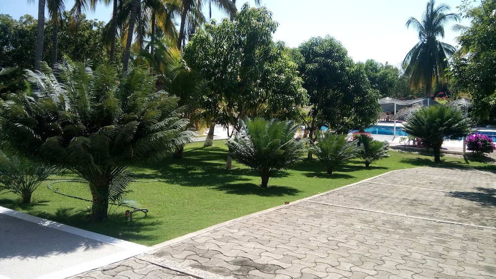 Property Grounds, Hotel & Club Campestre Altos Paraiso