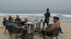 Private beach nearby, white sand, free beach shuttle