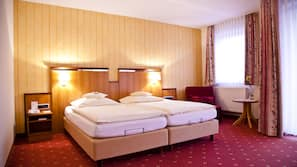 18 bedrooms, Egyptian cotton sheets, premium bedding, minibar