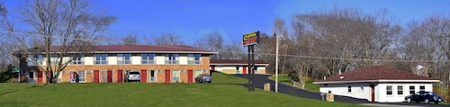 Great Place to stay Canton Inn near Canton