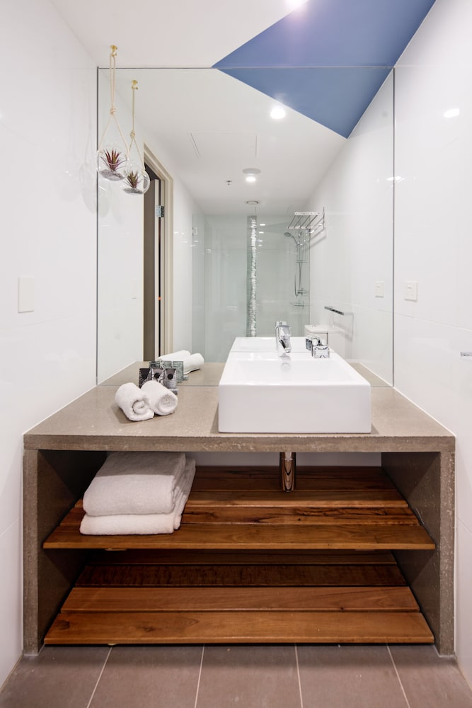 Bathroom Amenities, Zara Tower - Luxury Suites and Apartments