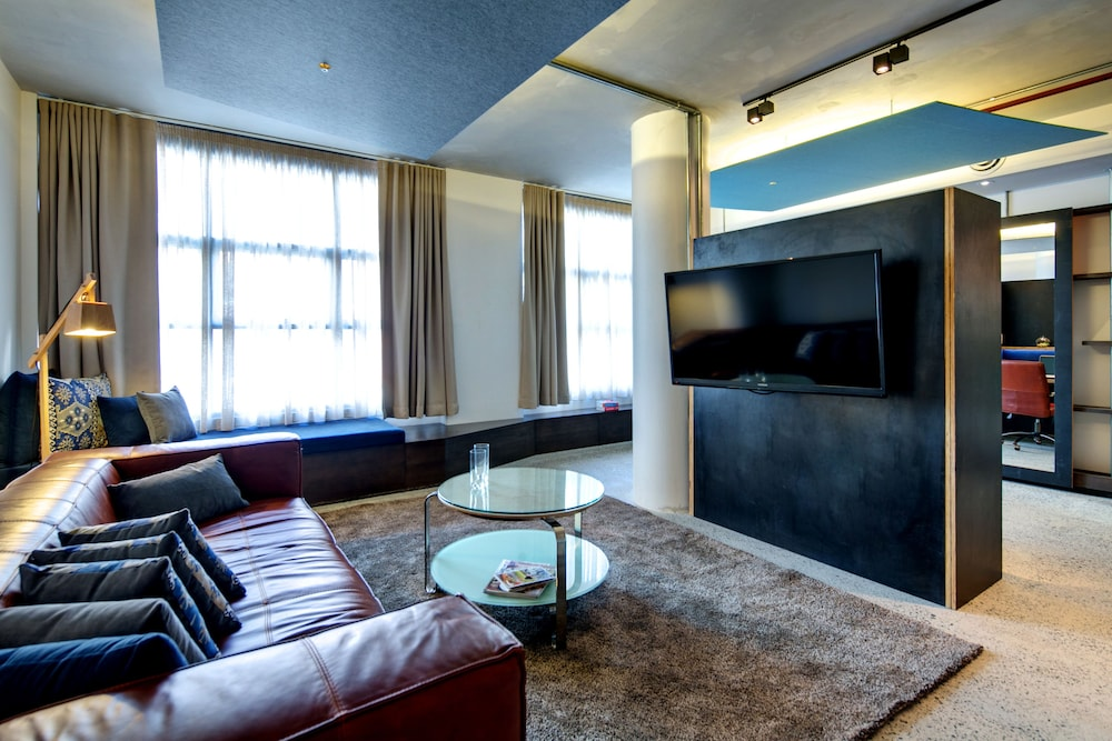 Living Area, Zara Tower - Luxury Suites and Apartments