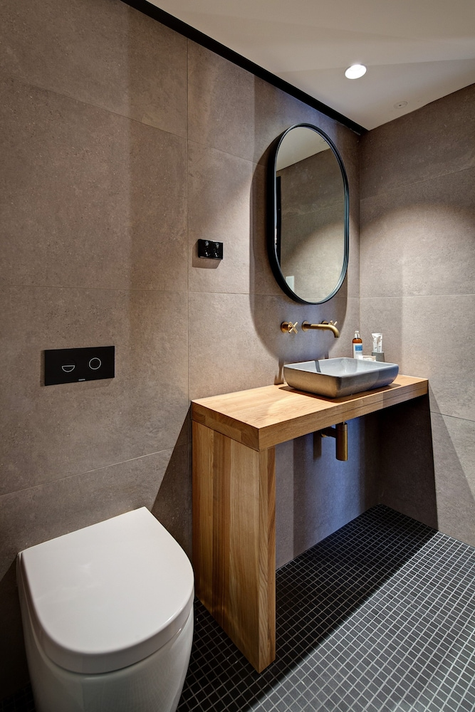 Bathroom, Zara Tower - Luxury Suites and Apartments