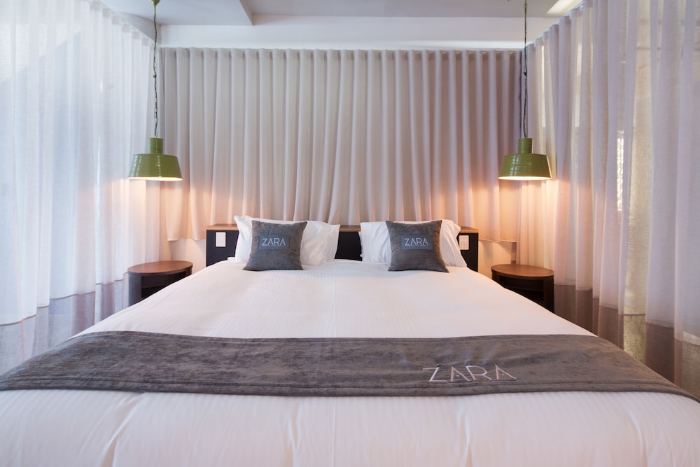 Room, Zara Tower - Luxury Suites and Apartments