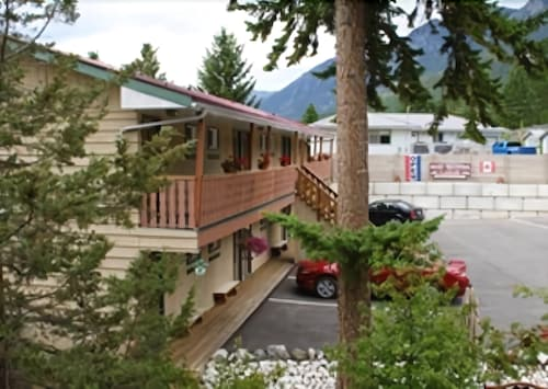 Rocky Mountain Springs Lodge