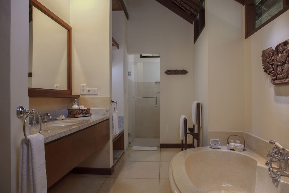 Bathroom, Tandjung Sari