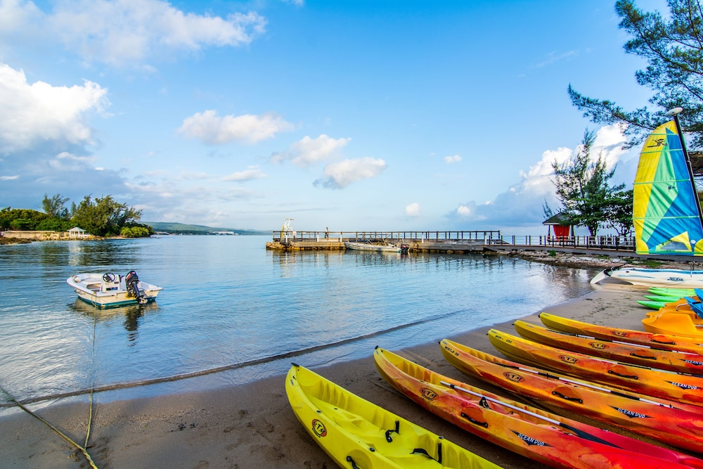 Kayaking, Jewel Paradise Cove Adult Beach Resort & Spa – All Inclusive