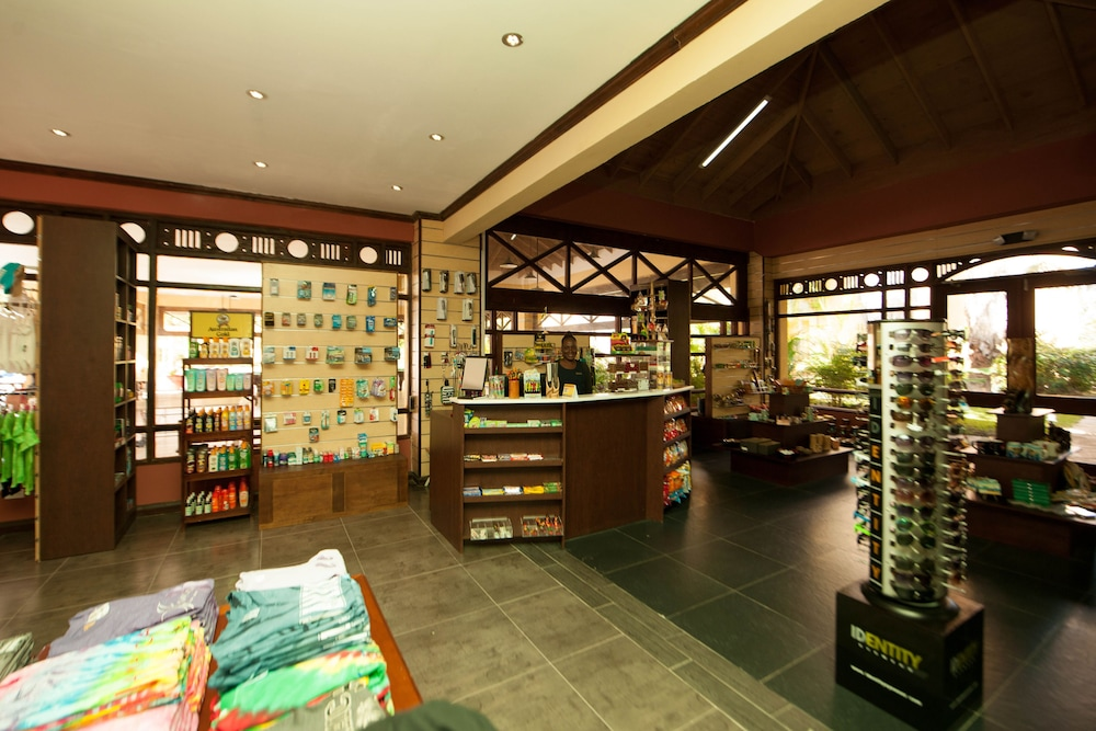 Gift Shop, Jewel Paradise Cove Adult Beach Resort & Spa – All Inclusive