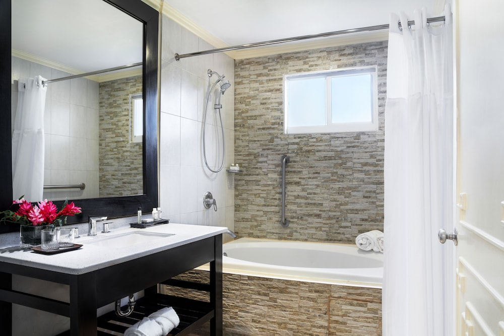Bathroom, Jewel Paradise Cove Adult Beach Resort & Spa – All Inclusive