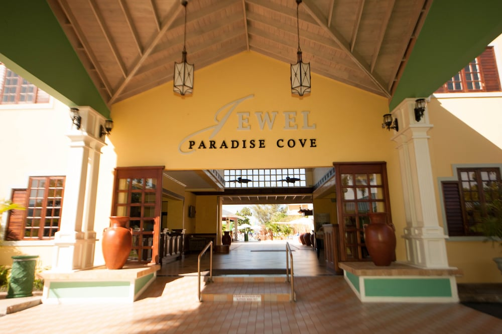 Interior Entrance, Jewel Paradise Cove Adult Beach Resort & Spa – All Inclusive
