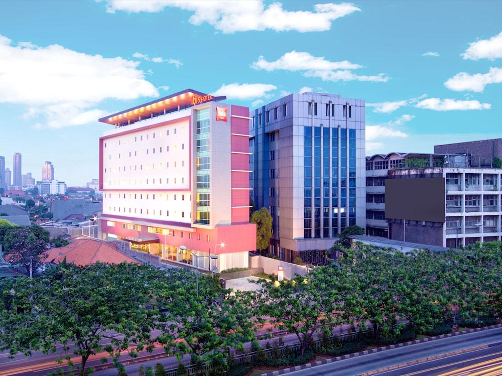ibis jakarta senen 2019 room prices 23 deals reviews expedia rh expedia com