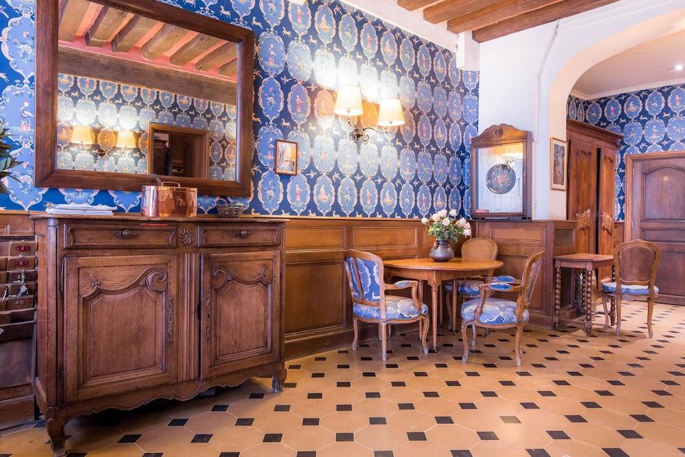 Hôtel du Lys: 2017 Room Prices, Deals & Reviews | Expedia
