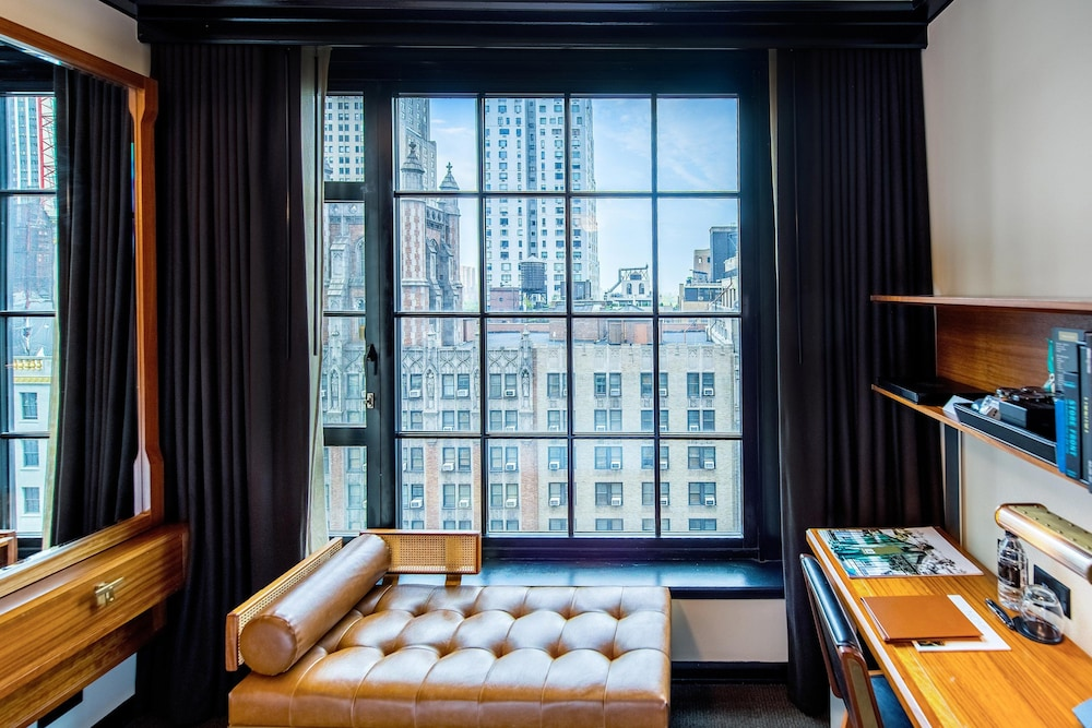 Room, Le Meridien New York, Central Park