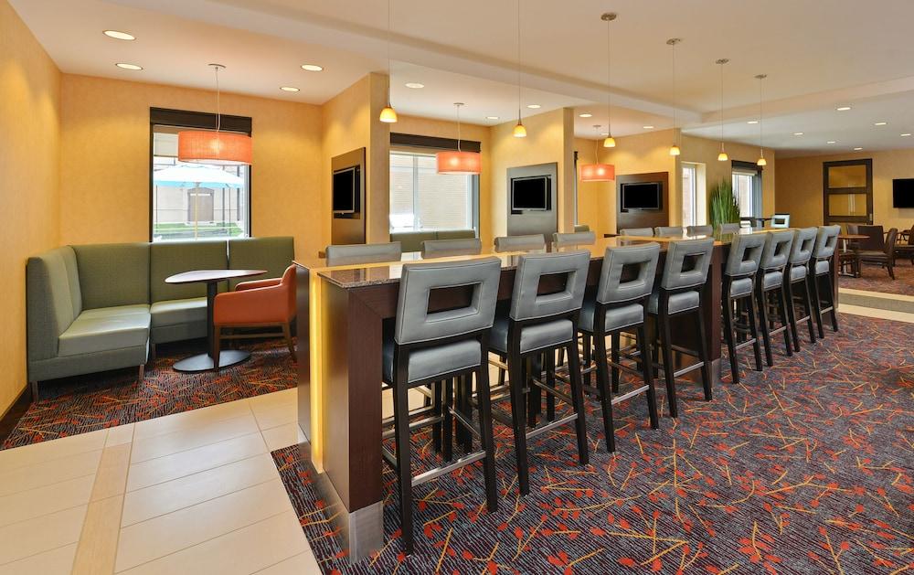 residence inn des moines downtown 2019 room prices 139. Black Bedroom Furniture Sets. Home Design Ideas