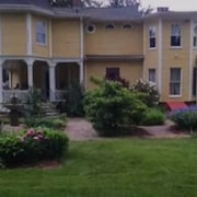 Lily House Bed and Breakfast