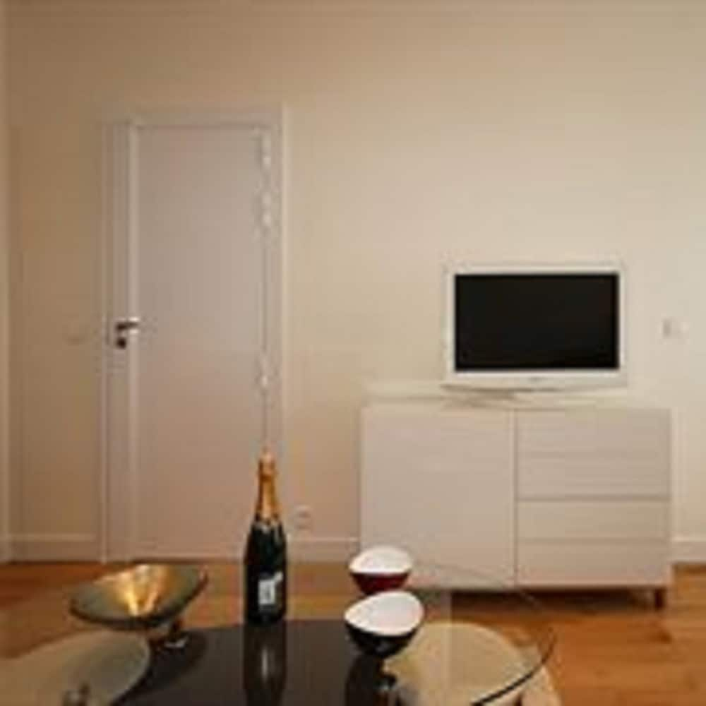 Apartment, 2 Bedrooms - Guestroom