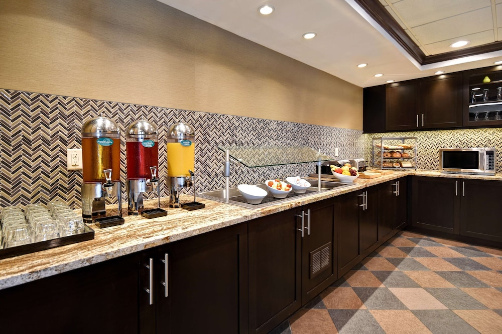 Breakfast Area, Homewood Suites by Hilton Southington, CT