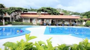 2 indoor pools, sun loungers